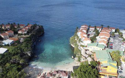 Playa Lagun:   Small Beach, Big (Diving) Fun